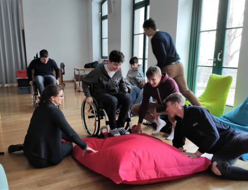 Die Paralympische Sportlerin Sabine Weber-Treiber auf Besuch im Sportgymnasium